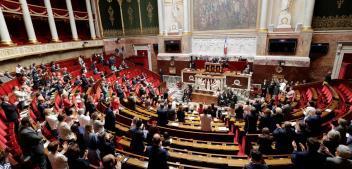 Constitution : les députés s'écharpent sur la «reconnaissance de la diversité des territoires»